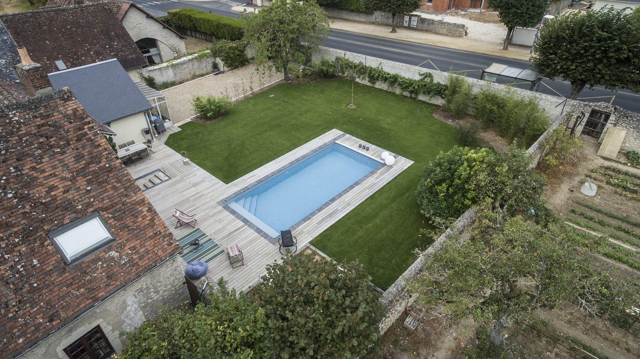 Wie ein Selbstbau Pool im Garten wirkt