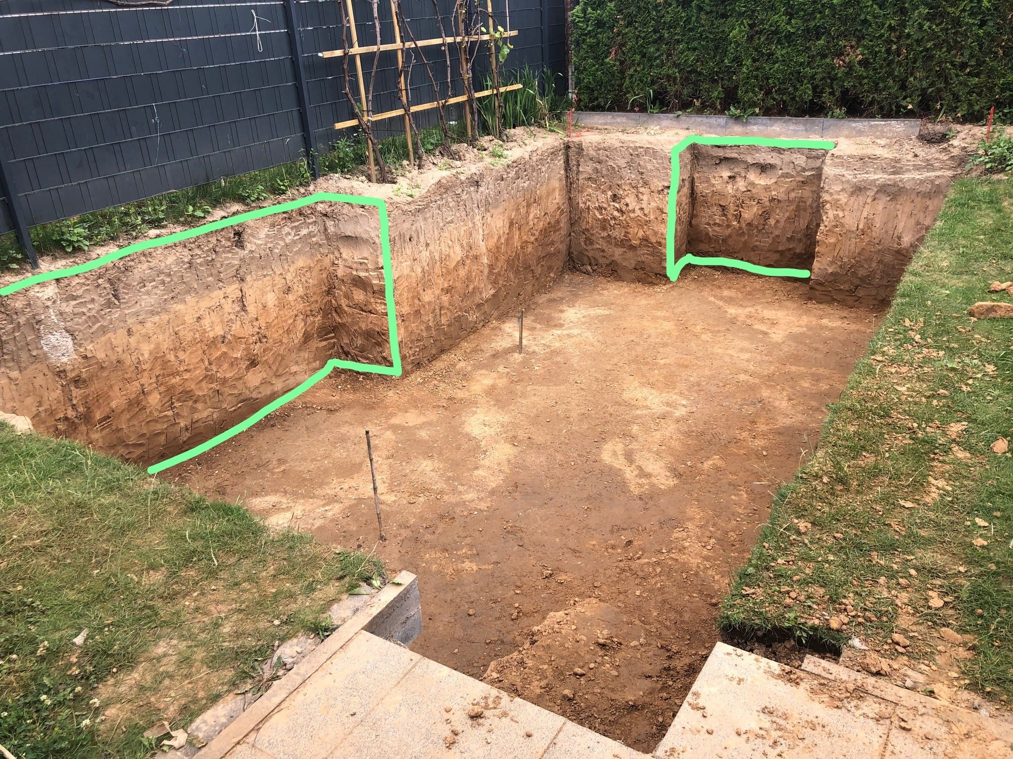 Baugrube nach Erdaushub