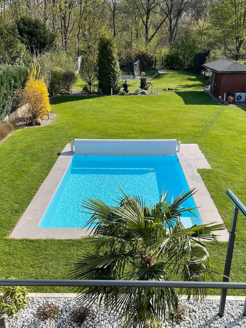 Swimmondo Pool selbst gebaut mit weisser Folie