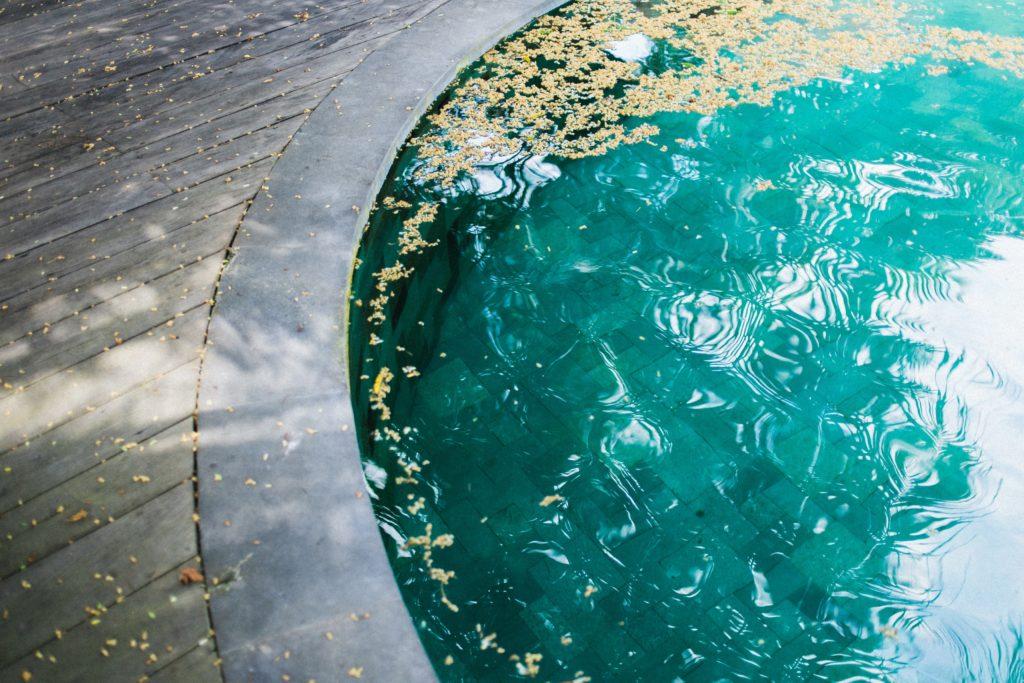 Dreckiger Pool