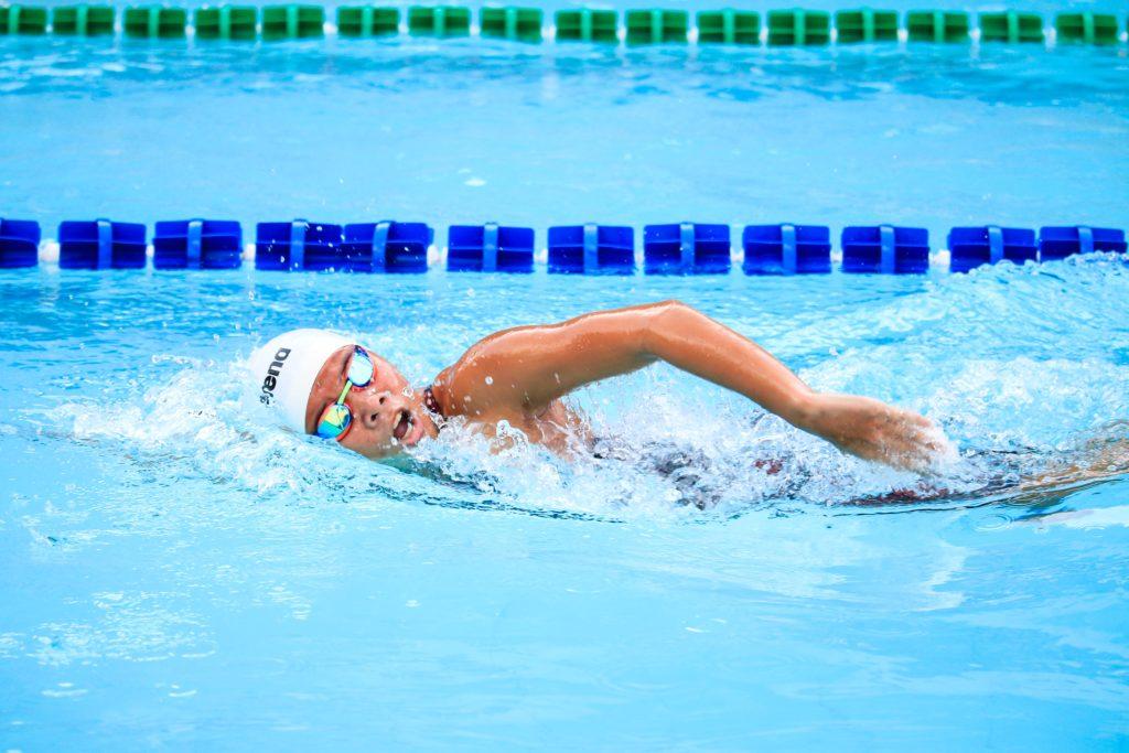 Schwimmer im Wasser